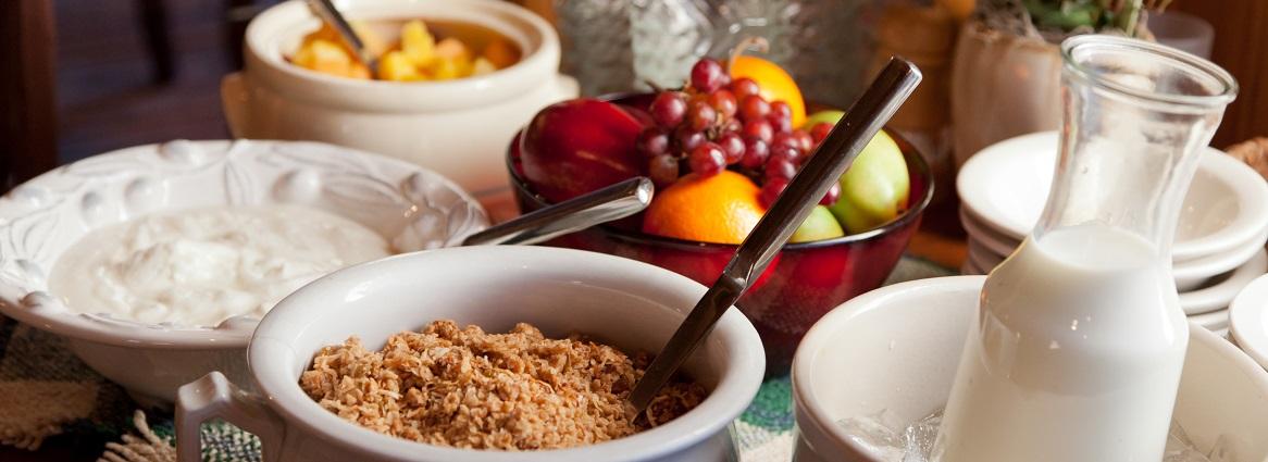 Cedar Falls Breakfast Granola Buffet