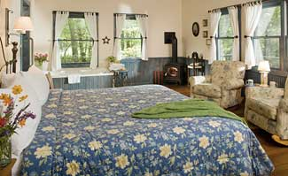 Our Hocking Hills Cozy King Cottages feature king beds and all the amenities that you can find in a modern hotel.