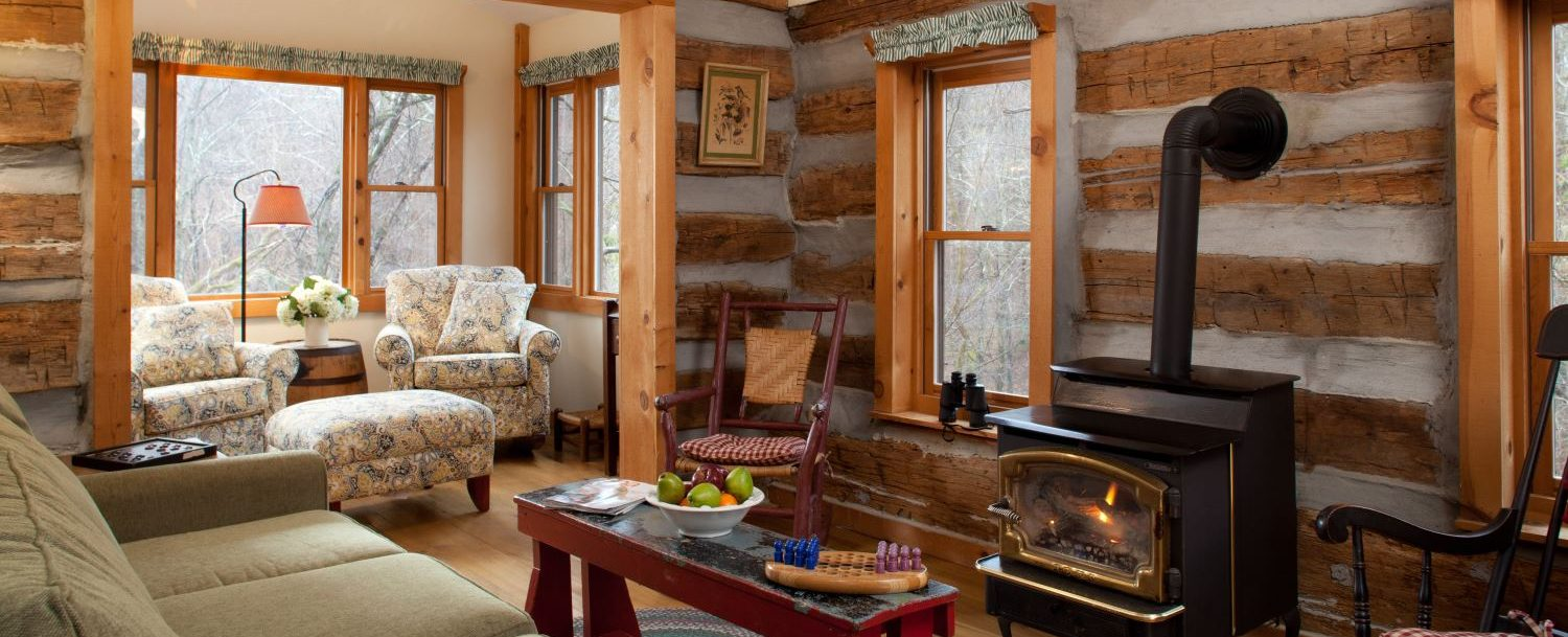 Redbud Cabin living area