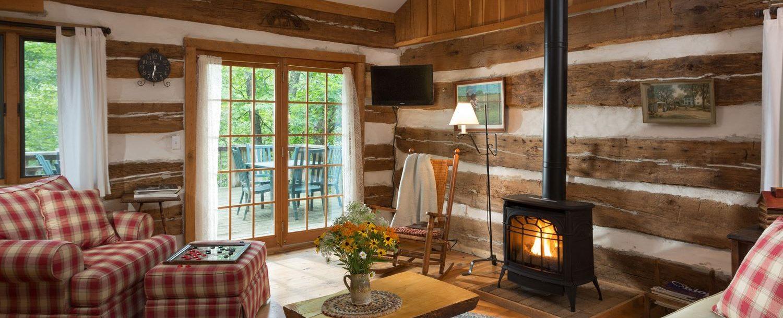 inside of the Dogwood Cabin