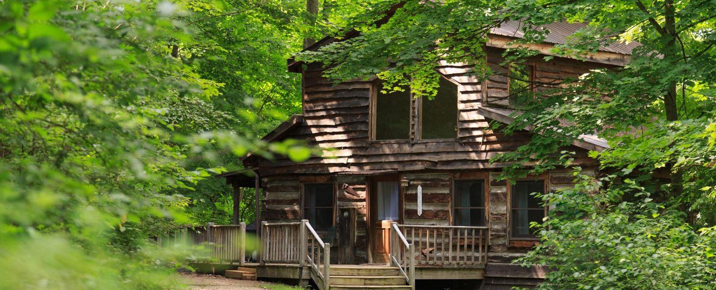 Redbud Cabin exterior