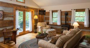 Tree House Cabin main room