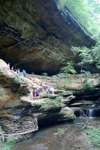 Old Man S Cave Craft Show : Old mans cave home to the hocking hills artists