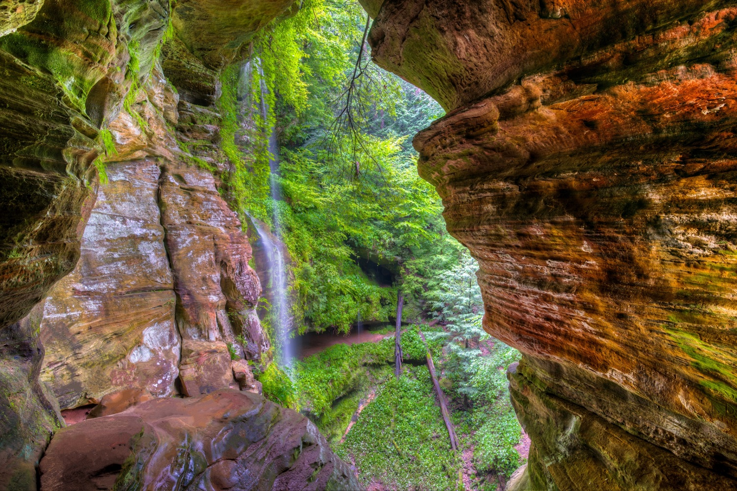 How To Hike To The Rock House In Hocking Hills Inn And