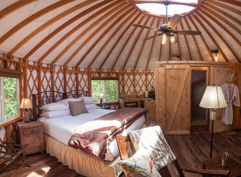 Yurts Inn And Spa At Cedar Falls