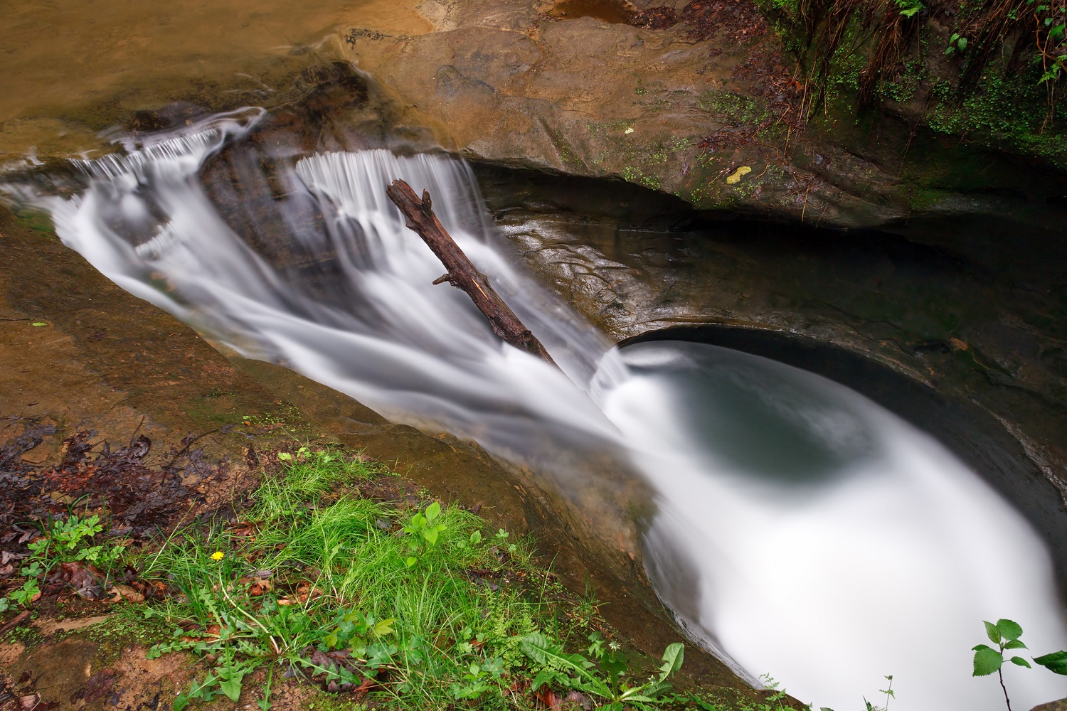 cedar falls catholic single men Complete information about the hocking hills ohio region holiday gifts for someone special hocking  cedar falls itself is the greatest waterfall in terms of.