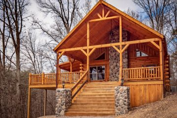 Exterior view of Double Down Lodge