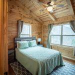queen bedroom in the lodge