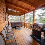 Bison Lodge porch with grill, hot tub